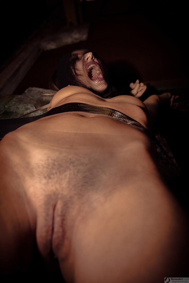 Bondage Woman Pussy Screaming