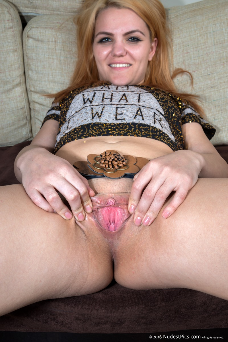 Blonde Youngster Spreading Her Awesome Vagina & Clit