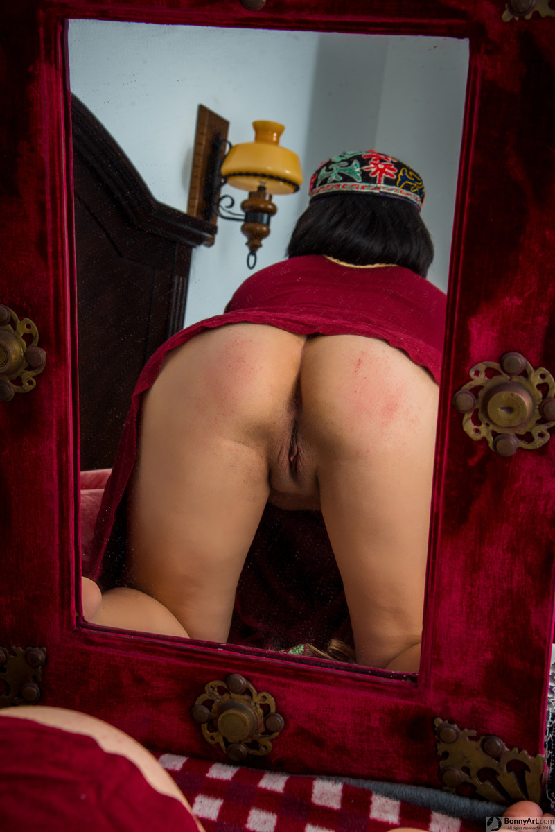Turkish Girl's Ass & Pussy in the Mirror